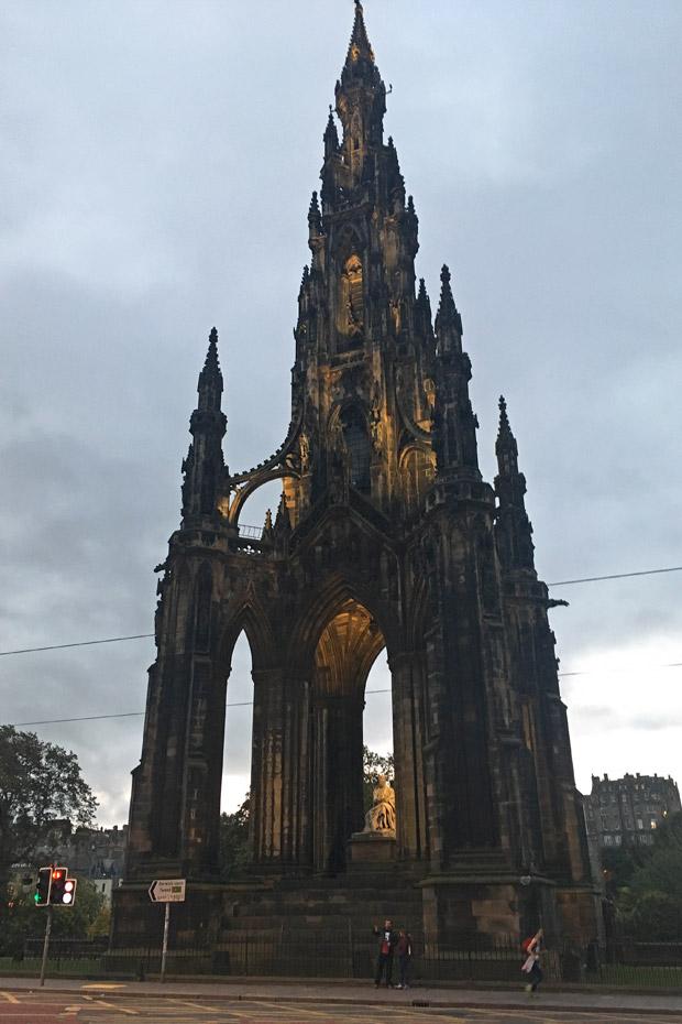 Edinburgh Sehenswürdigkeiten - Scott Monument