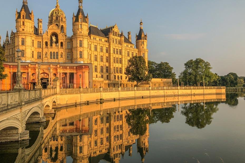 Sonnenuntergang am Schloss Schwerin
